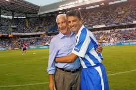 El entrenador del SuperDepor Arsenio Iglesias y su delantero estrella, Bebeto